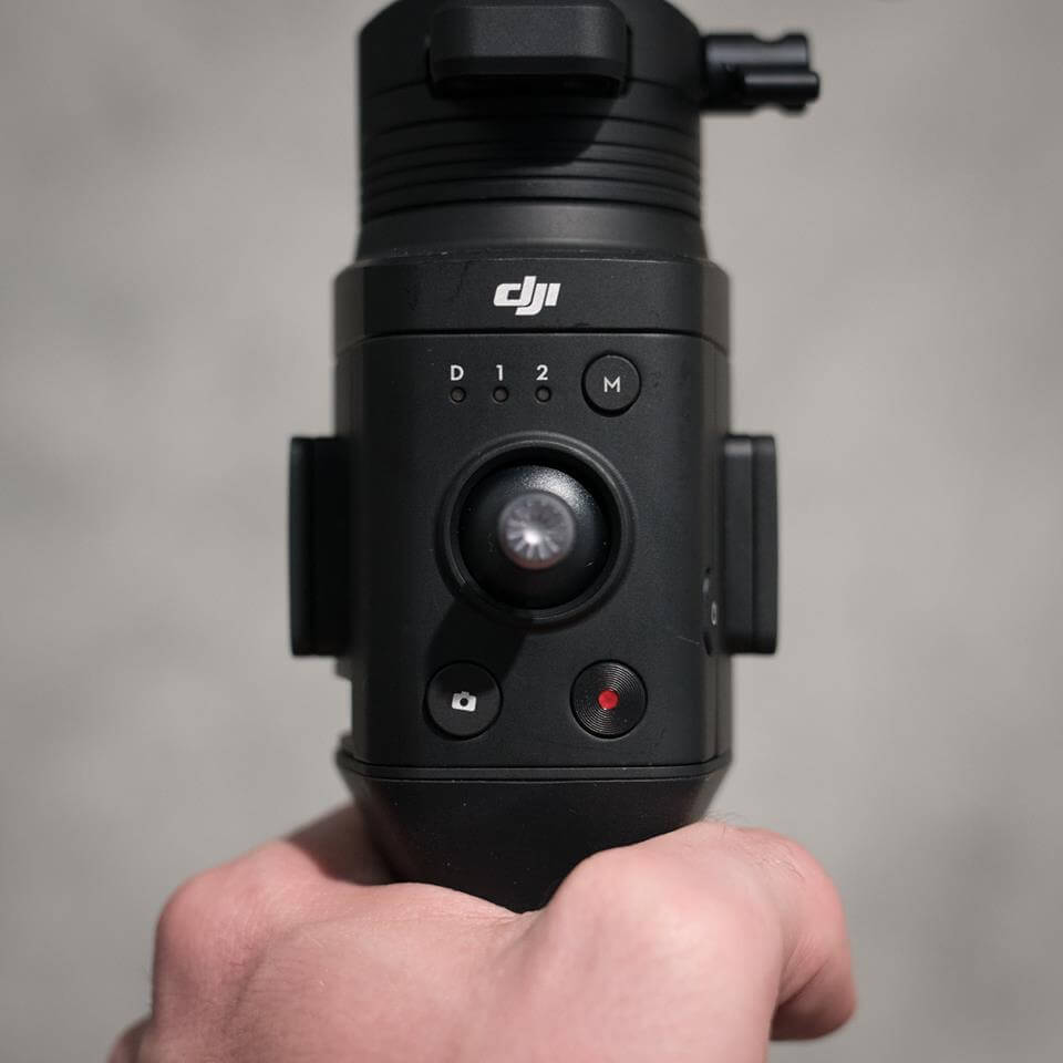 Lastly, the ergonomic grip design frees up the gimbal from unwanted shake as you shift from underslung to an upright position in one smooth take.