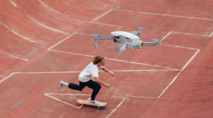 a student using Mavic Mini