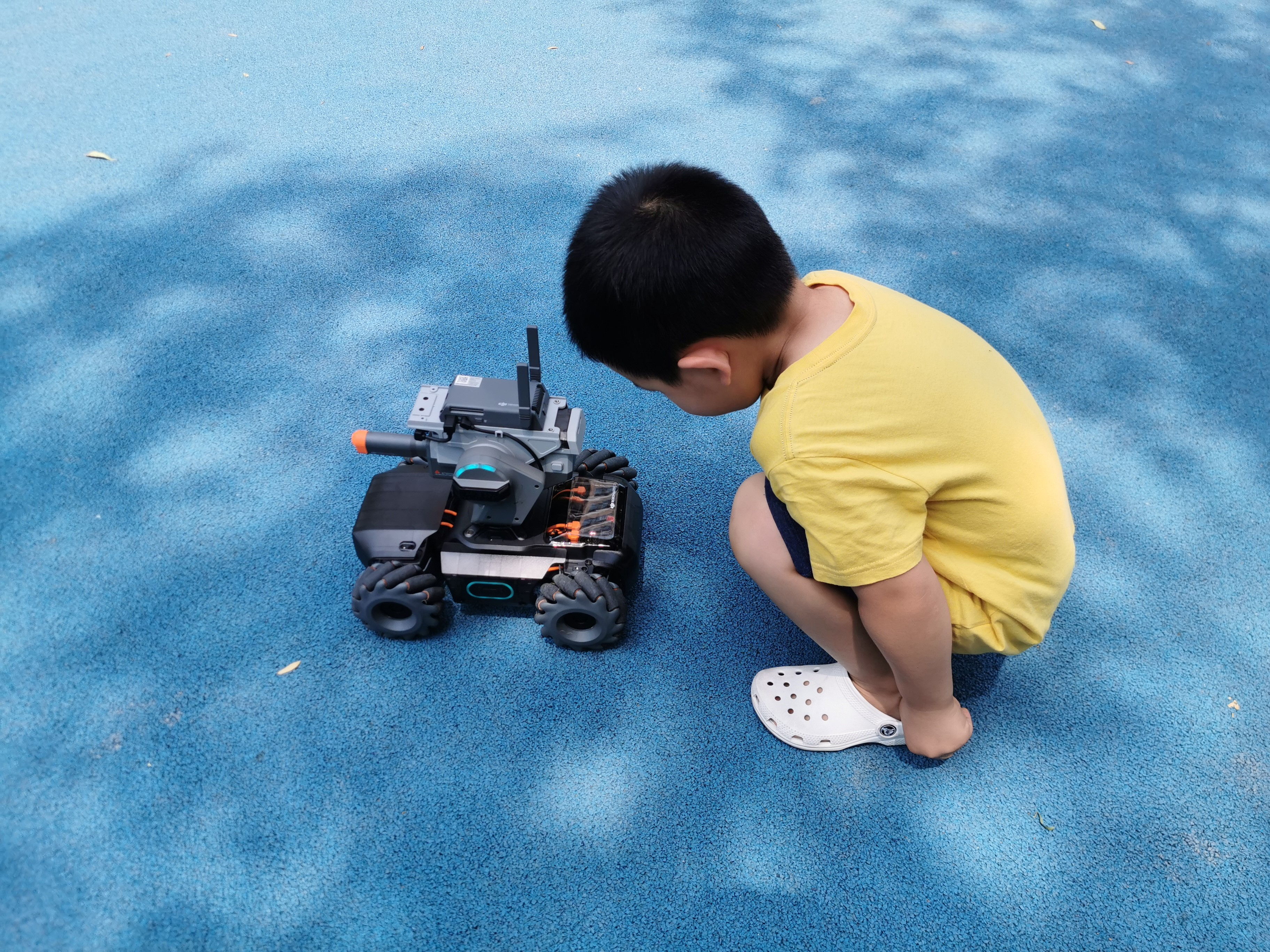 a boy playing romomaster s1